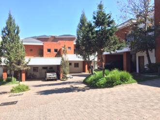 Preciosa Casa en venta/renta en zona 16 - thumb - 37034