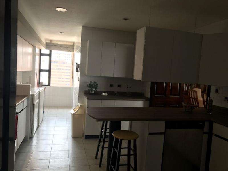 Apartamento amplio en Venta zona 14 - large - 86730