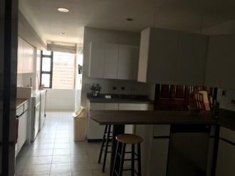 Apartamento amplio en Venta zona 14 - thumb - 86730