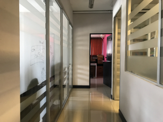 Oficina remodelada en Venta zona 10  - thumb - 88107