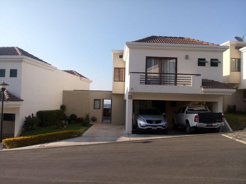 Casa en venta para inversión en Vistas de San Isidro - large - 109636