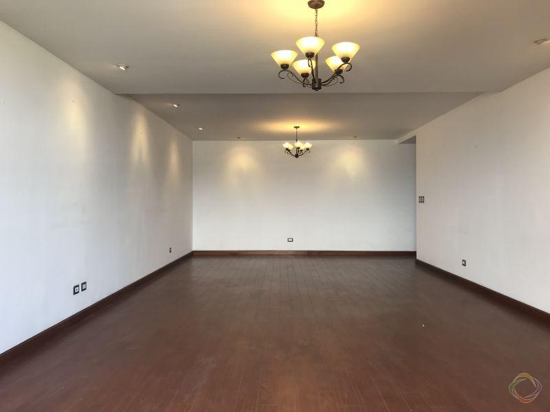 Apartamento amplio en venta Torre Condesa Zona 14  - large - 113406