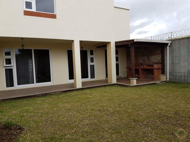 Vendo casa Ces los Manantiales Sjp - large - 114405