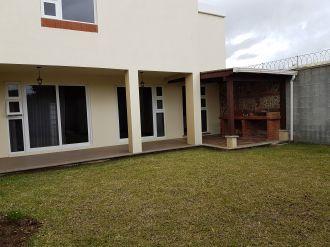 Vendo casa Ces los Manantiales Sjp - thumb - 114405