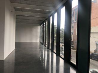 Alquilo Local Comercial 155.5 mts Edificio XPO1, zona 4  - thumb - 115634