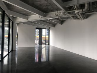 Alquilo Local Comercial 155.5 mts Edificio XPO1, zona 4  - thumb - 115635