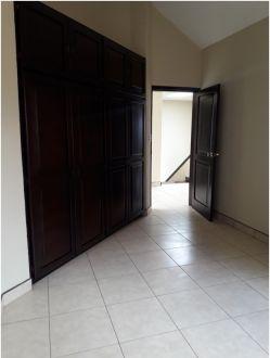 Casa en Alquiler Km. 15.8 Paraje Solar - thumb - 116226