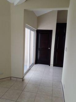 Casa en Alquiler Km. 15.8 Paraje Solar - thumb - 116227