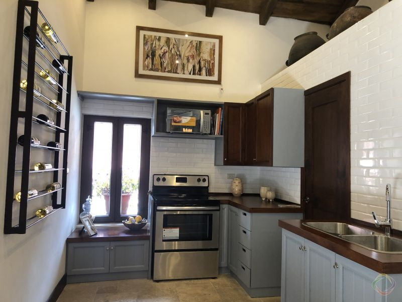 Casa Preciosa Amueblada en El Casco Antigua - large - 116435