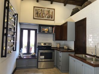 Casa Preciosa Amueblada en El Casco Antigua - thumb - 116435
