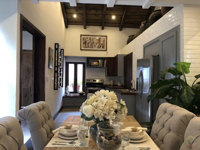 Casa Preciosa Amueblada en El Casco Antigua - large - 116461