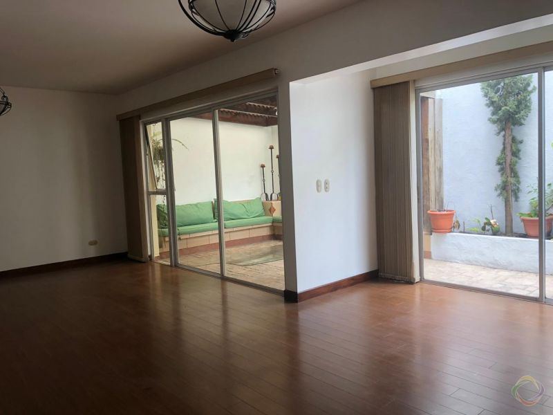 Casa en condominio zona 10 - large - 117028