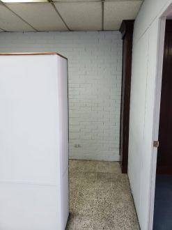 Oficina en Plaza Tivoli zona 9 - thumb - 119089