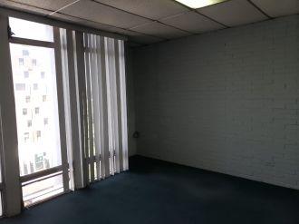Oficina en Plaza Tivoli zona 9 - thumb - 119090