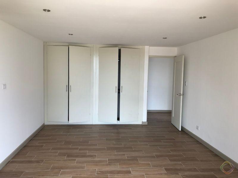 Apartamento en venta completamente remodelado  Zona 15  - large - 119468