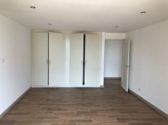 Apartamento en venta completamente remodelado  Zona 15  - thumb - 119468