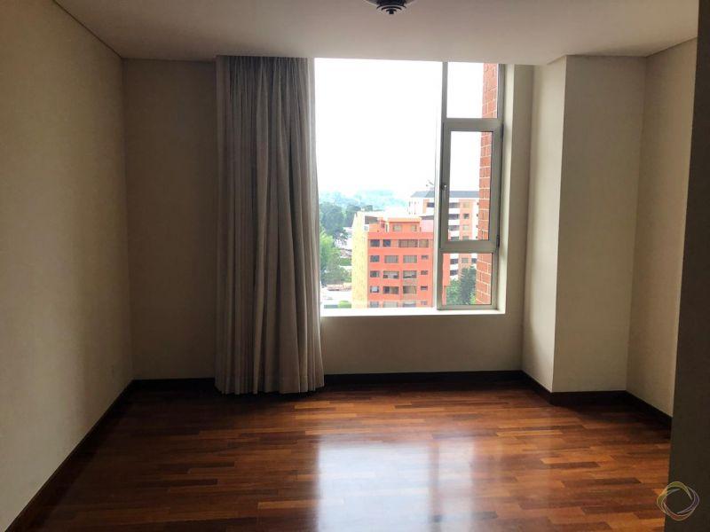 Apartamento en alquiler en zona 14 - large - 119509
