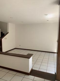 Casa amplia en zona 10 - thumb - 122394