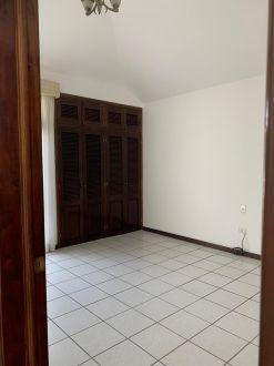 Casa amplia en zona 10 - thumb - 122402