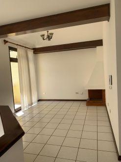 Casa amplia en zona 10 - thumb - 122417