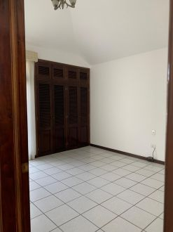 Casa amplia en zona 10 - thumb - 122424