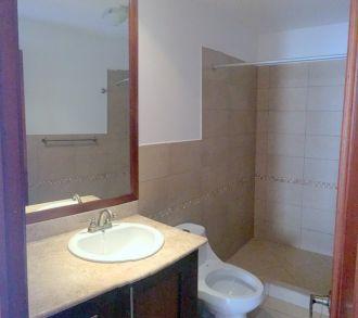 Apartamento en zona 15 - thumb - 122610