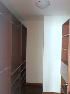 Apartamento en zona 15 - thumb - 122611