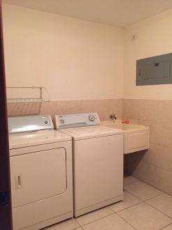Renta apartamento zona 14 Almeira - thumb - 124180