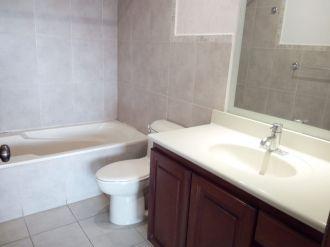 Apartamento en renta en Edificio Almeira - thumb - 124716