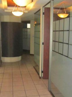 Oficina amplia en Avenida Reforma zona 9  - thumb - 124754