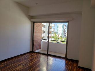 Apartamento Torre Quattro zona 14 - thumb - 125687