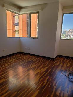 Apartamento Torre Quattro zona 14 - thumb - 125693