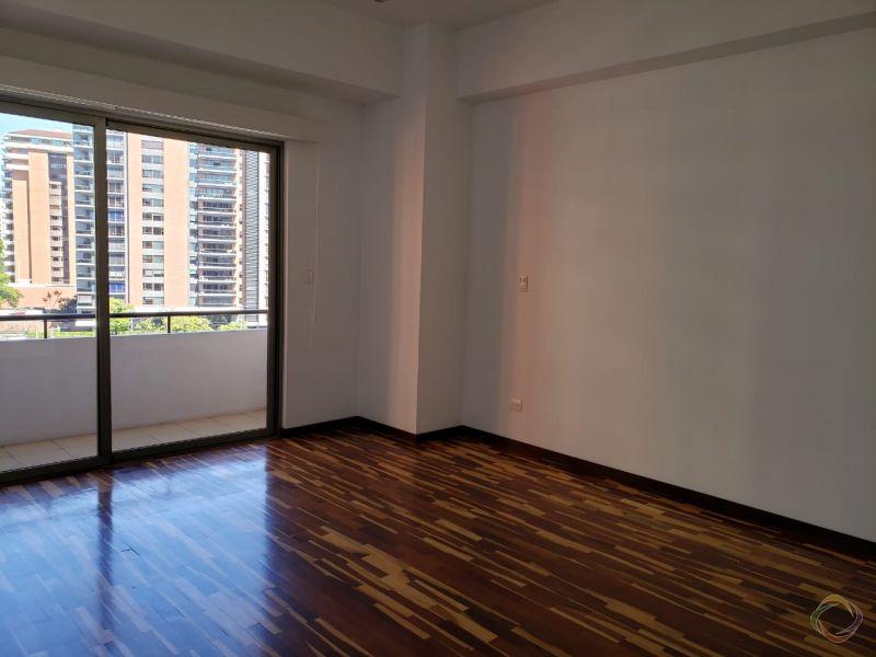 Apartamento Torre Quattro zona 14 - large - 125696