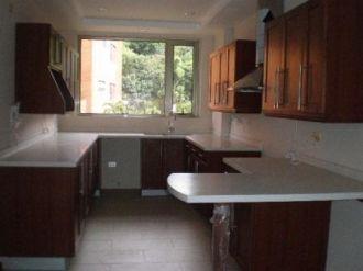 Bella Casa en Renta - Zona 14 - thumb - 126367