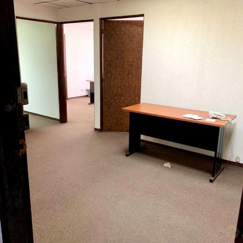 Oficina de 62 m2 en zona 10 para Inversión - large - 126443