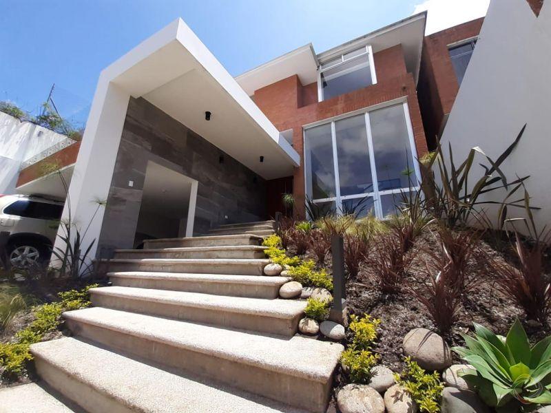 Casa en Montebello - large - 127974