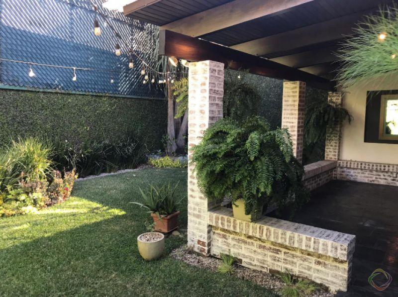 Casa en zona 14 La Villa, Remodelada - large - 128257