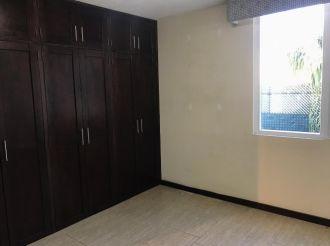 Casa en zona 14 La Villa, Remodelada - thumb - 128272