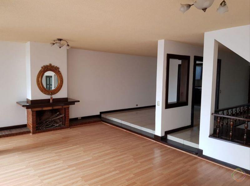 Casa en zona 15 Valles de Vista Hermosa  - large - 128776