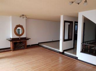 Casa en zona 15 Valles de Vista Hermosa  - thumb - 128776