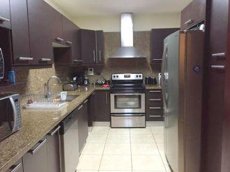 Apartamento en renta zona 10 - thumb - 128950