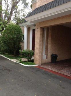 Casa en renta Zona 10 - thumb - 129055