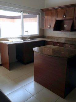 Casa en renta Zona 10 - thumb - 129056