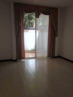 Casa en renta Zona 10 - thumb - 129057