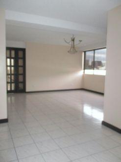 Apartamento amplio en zona 10 - thumb - 130620