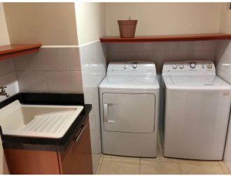Apartamento amueblado en zona 10 - thumb - 130805