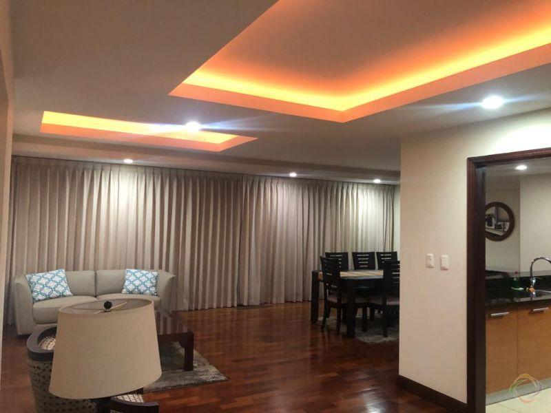 Apartamento amueblado en zona 10 - large - 130812