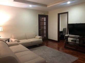 Apartamento amueblado en zona 10 - thumb - 130817