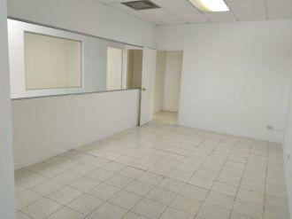 Alquiler Oficina Zona Pradera zona 10 - thumb - 131149
