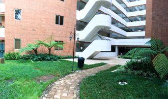 Apartamento en Venta zona 10 - thumb - 132167